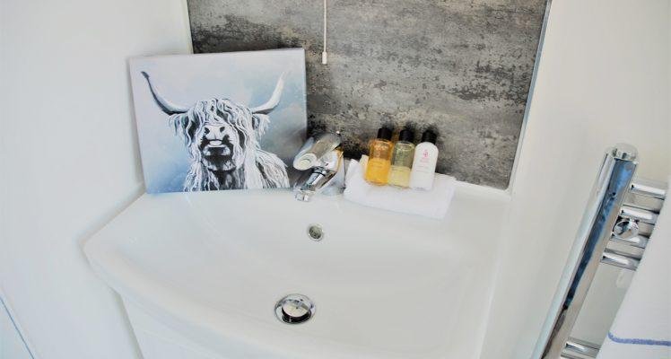 glen-finnan-bathroom-2